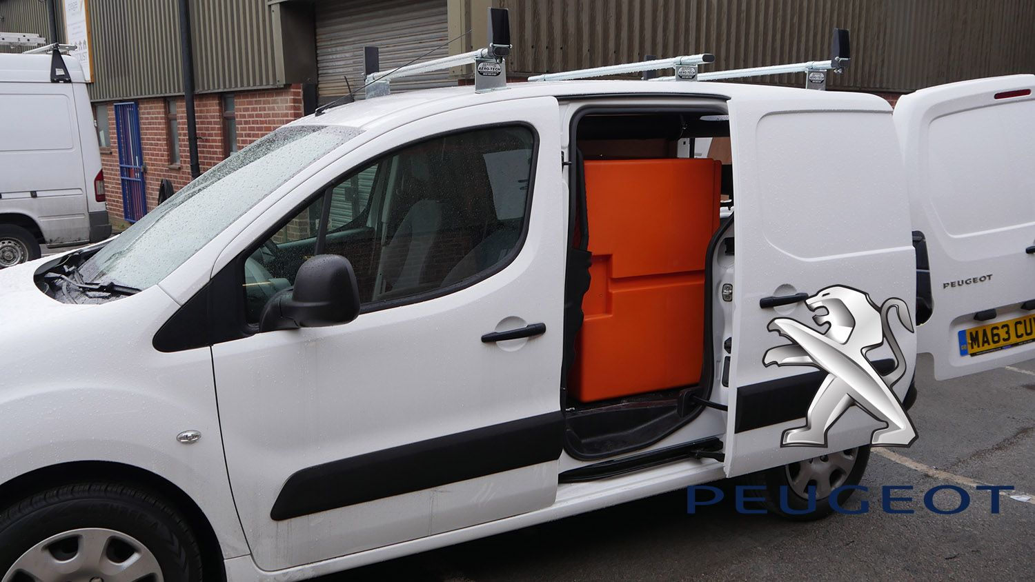21735d066d Xline Customers - Window Cleaning Vans   WFP Systems