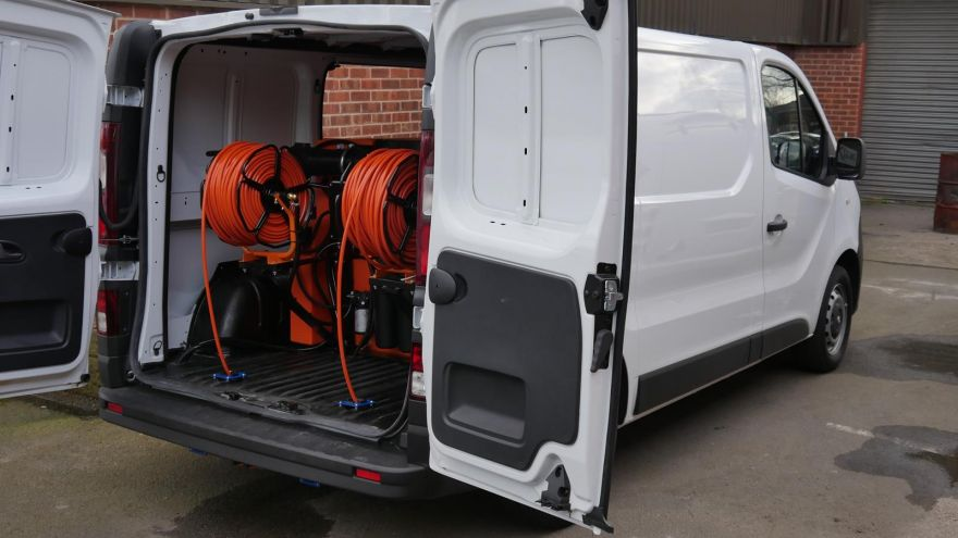 Vauxhall VIvaro - 750ltr 2 Man Water Fed Pole System with Raised Reels